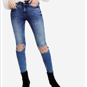 Free People NWT Busted Knee Skinny Jeans